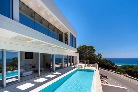Chalet minimalista con vistas en Son Bou - San Jaime Mediterráneo