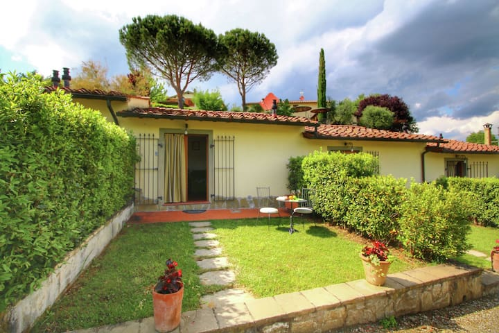 Home with swimming pool in a cental location in Tuscany