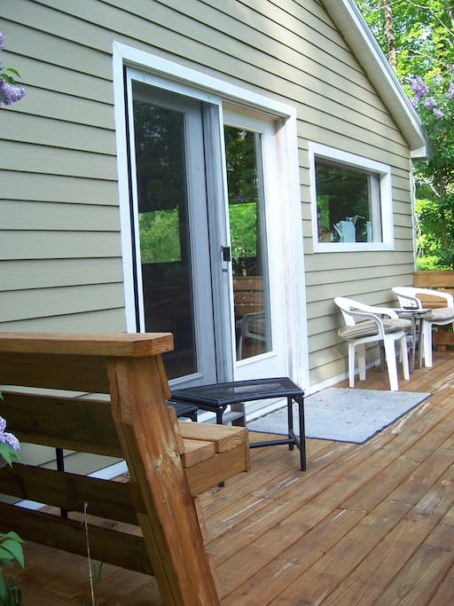 The Nest Guest Cottage rear deck
