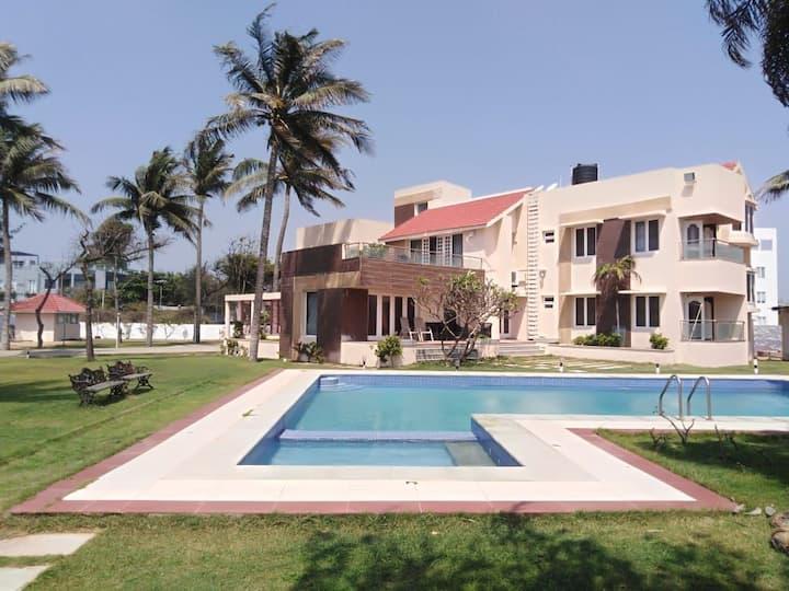 The beach house, ECR - Luxury Villa on the beach