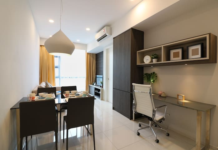 Light Spacious Home for Friends & Family in KL