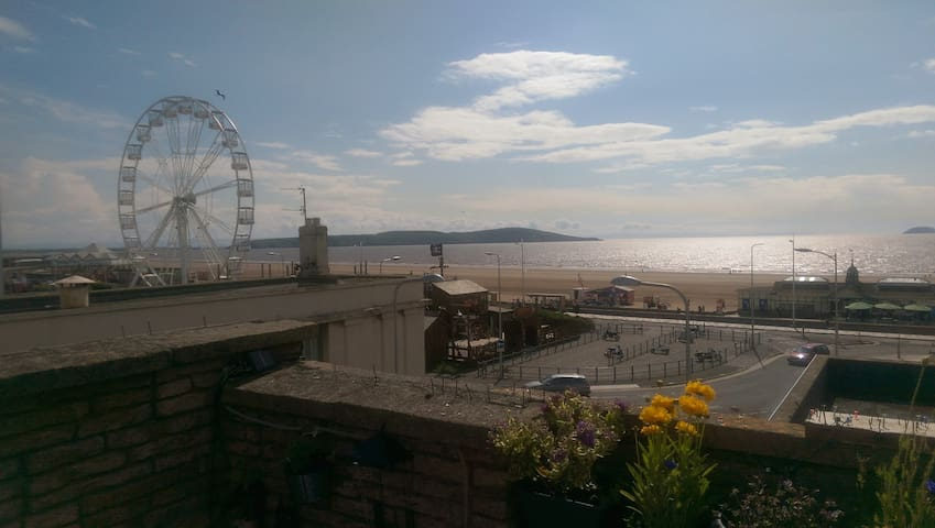 Best sea views, big terrace with sun bed,mini pond - Weston-super-Mare - อพาร์ทเมนท์