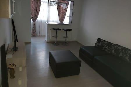 Apartament la 500 m de centrul orasului Pitesti.