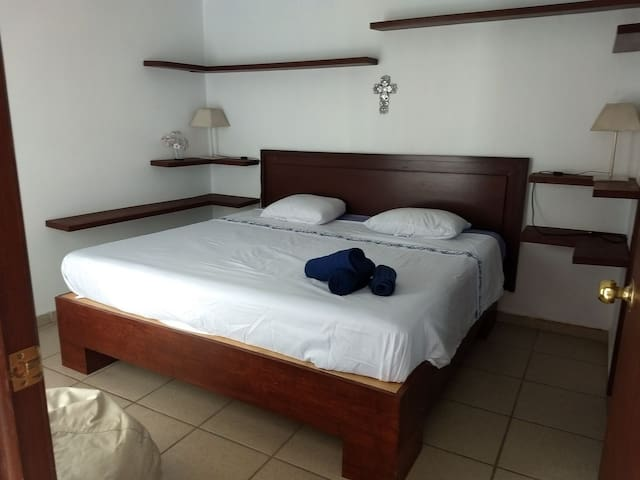 Lucano's King Bed