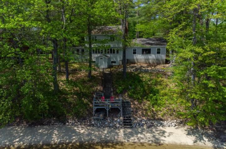 Newly renovated Sandy Lakefront House