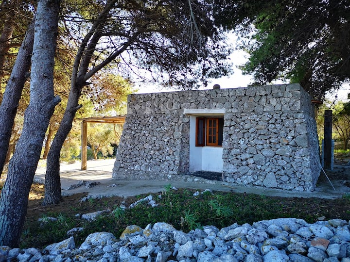 Romantic trullo above the fjord with sea access and stunning views (house G)