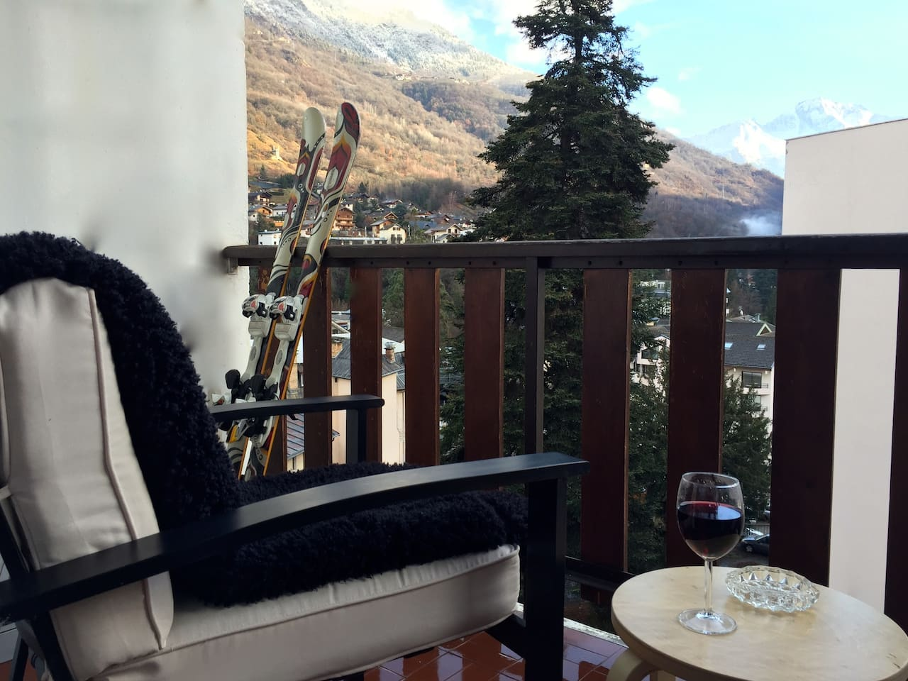 Enjoy a glass of wine on the balcony after a day on the slopes