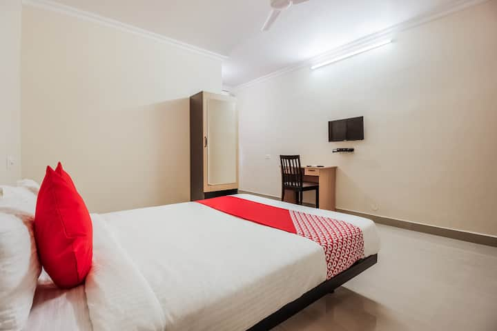 OYO Cheerful 1 BR stay near Golconda fort