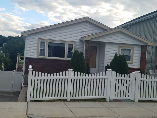 W Revere 2 bedroom with kitchen private home