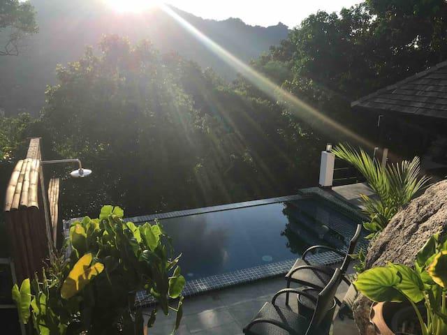 Stunning sea view Pool Villa on Koh Tao!