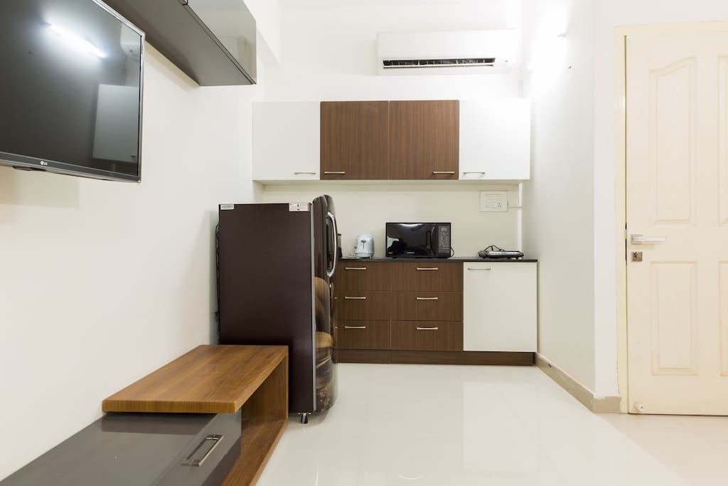 Awesome studio apt with kitchen near hitech city for M kitchen hyderabad