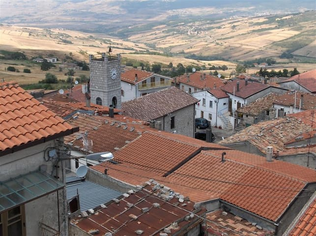 THE STONE HOUSE IN THE STONE VILLAGE