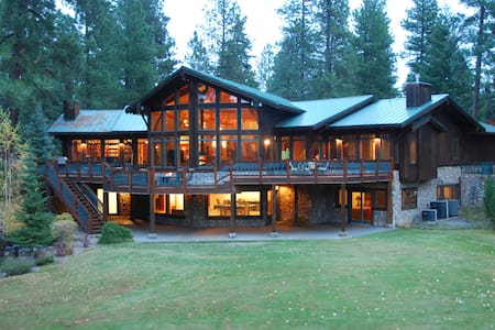 Luxury Cle Elum Riverfront Home Bordering Suncadia - 克利埃勒姆(Cle Elum) - 獨棟
