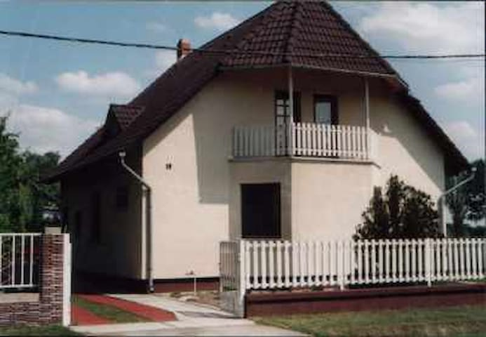Haus Andrea 6 Personen - Balatonkeresztúr - Haus