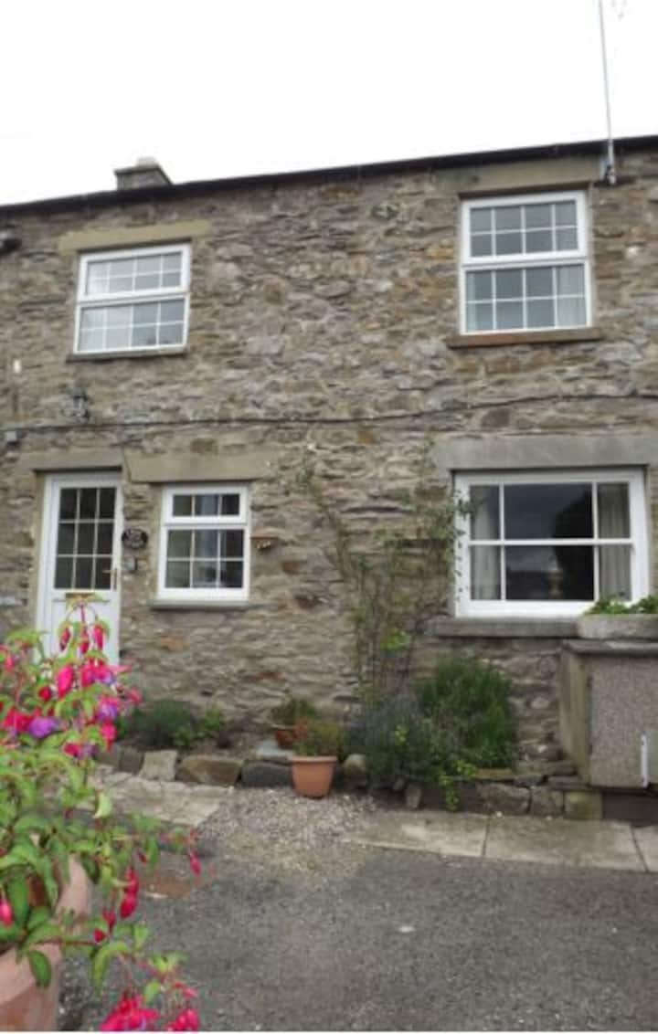 Idyllic Yorkshire Dales cottage