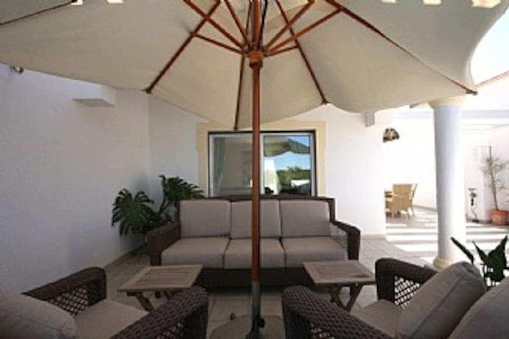 Seating area on the balcony, perfect for relaxing after a BBQ or a long day on the beach! (amazing algarve apartment)