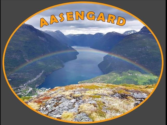 Aasengard               Fotturer og Laksefiske