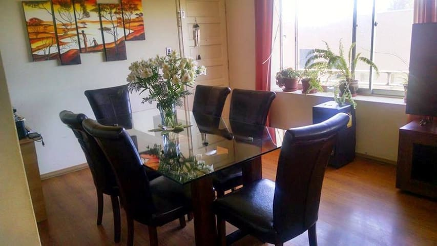 Departamento central en Constitución con desayuno - Constitución - Apartment