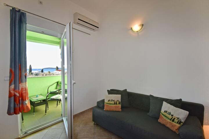 Sea view apartments near the beach / Sea view apartment 1