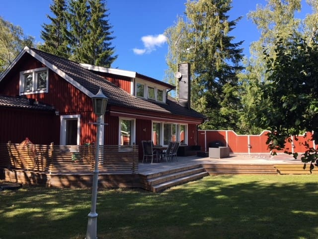 Archipelago villa with pool, 45 min from Stockholm