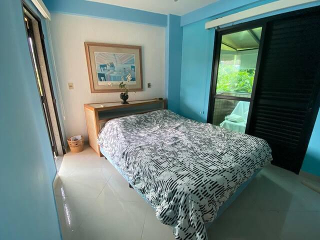 Suíte  1 ( 1 cama de de casal e 1 sofá-cama )