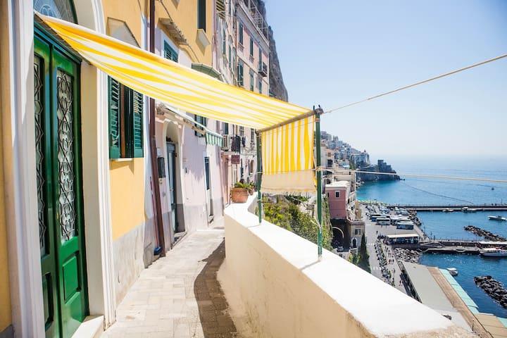 """Amalfi """"La finestra sul mare """""""
