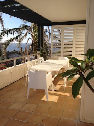 SYDNEY BEACHSIDE APARTMENT at Coogee Beach. Views! - Coogee - Appartement