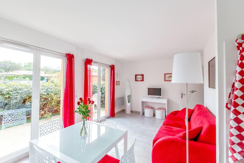 limite biarritz la plage a pied appartements louer anglet. Black Bedroom Furniture Sets. Home Design Ideas