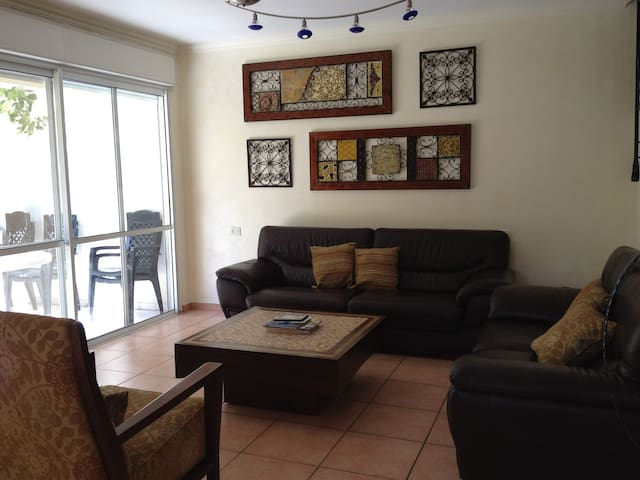 Large furnished home Malibu, Modiin - Modi'in-Maccabim-Re'ut - Ház