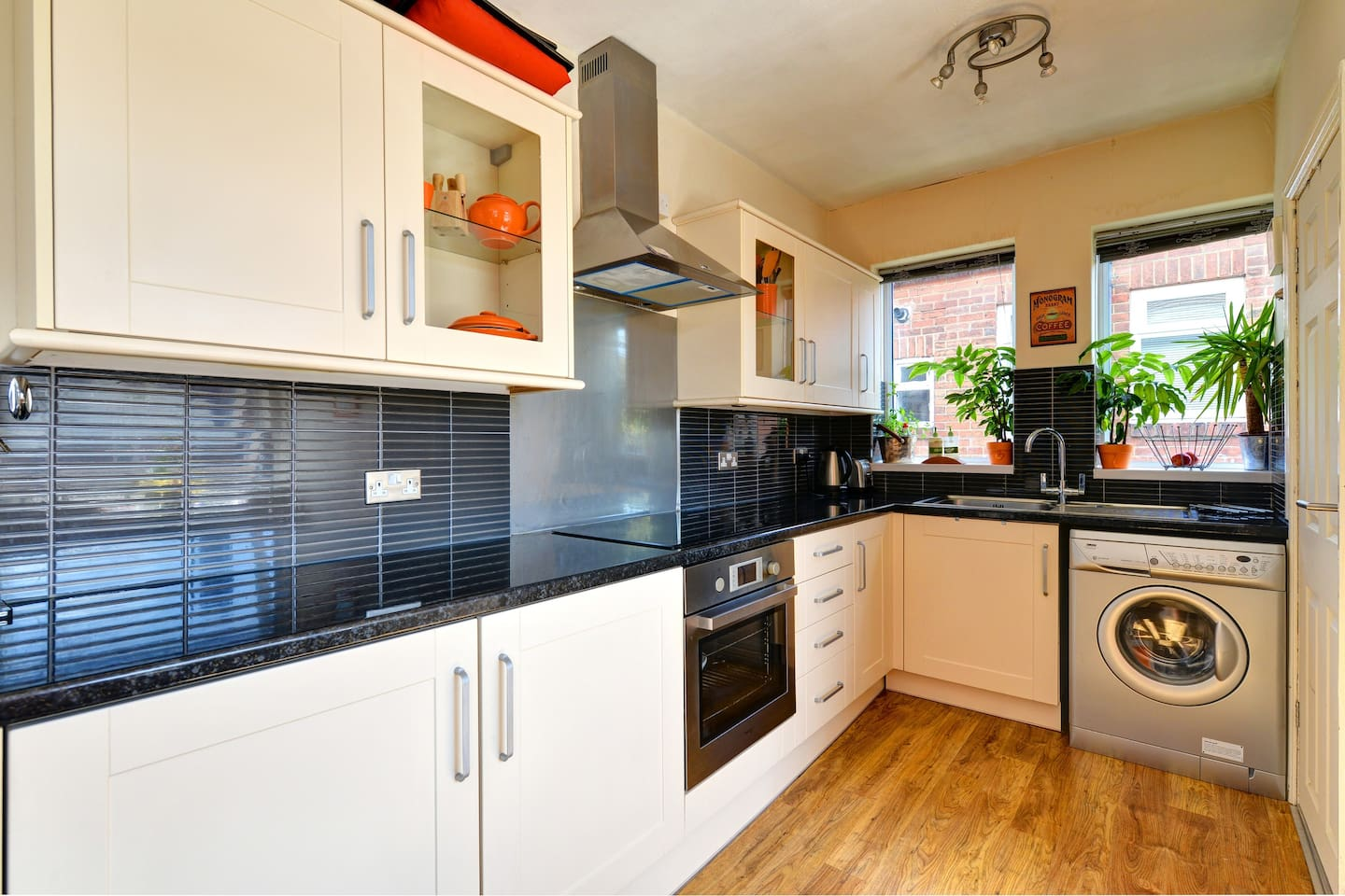 Kitchen are for you to use, oven, grill, hob, kettle & toaster.