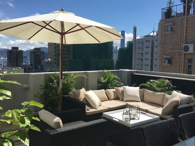 UNIQUE! Rooftop with harbour view and great design - Hong Kong - Flat