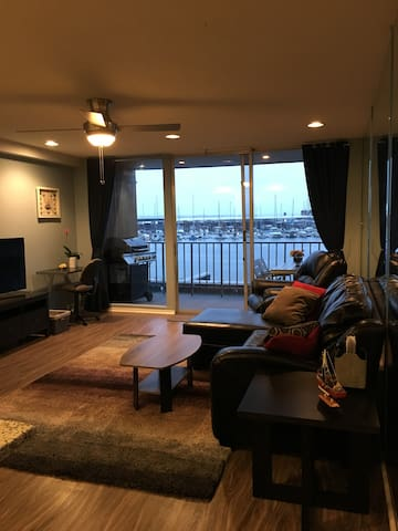 Beautiful Lakefront Condo - Montgomery - Wohnung