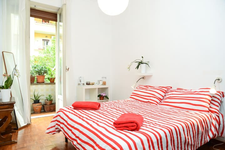 OrChiD RooM, With Private Bathroom! - Roma