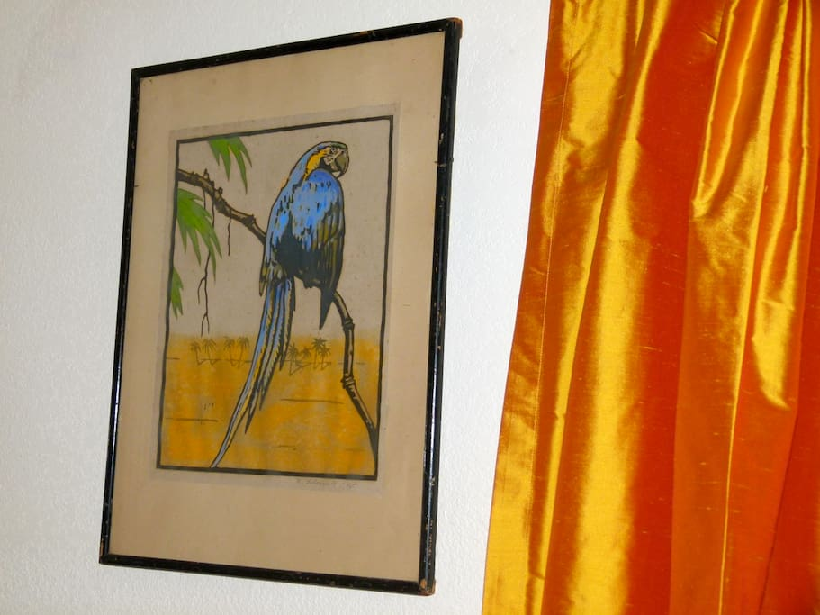 Welcome to the Eco-Buurd's Nest.  Rice Paper buurd print by the front door.