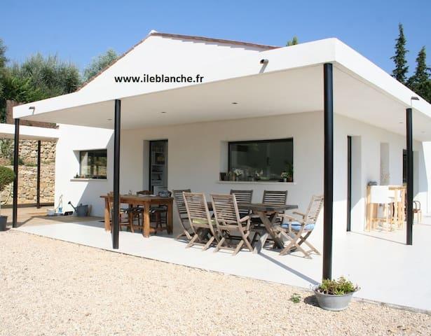 Mini Villa Rental Côte d'Azur - Le Rouret - Villa