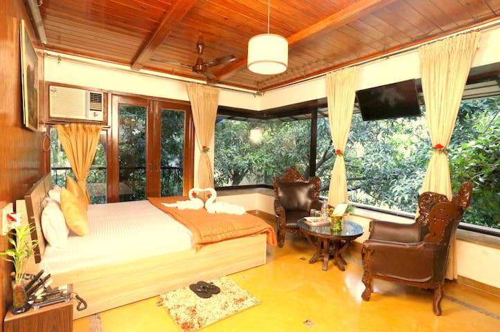 Timber Suite ( 2 Bedroom ) near BKC