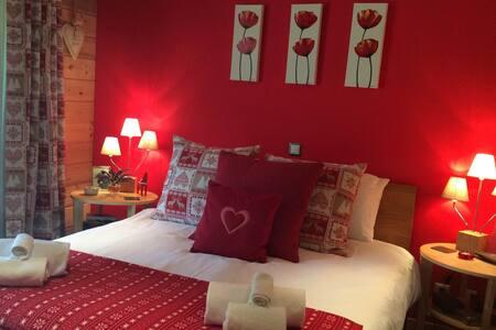 Luxury double room in Swiss ski resort La Tzoumaz - Riddes