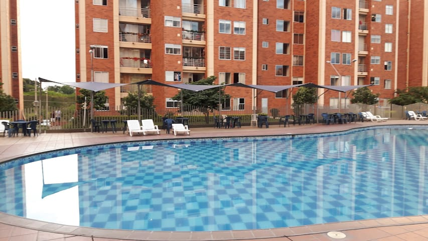 Studio Apartment in residential complex with pool - Pereira - Daire