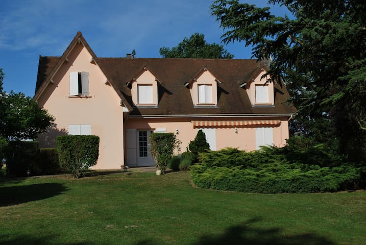 CHAMBRE D'HOTES - Saint-Yan - Bed & Breakfast