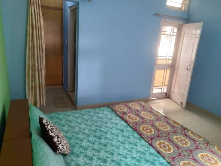 Private Room in chuna bhati with balcony