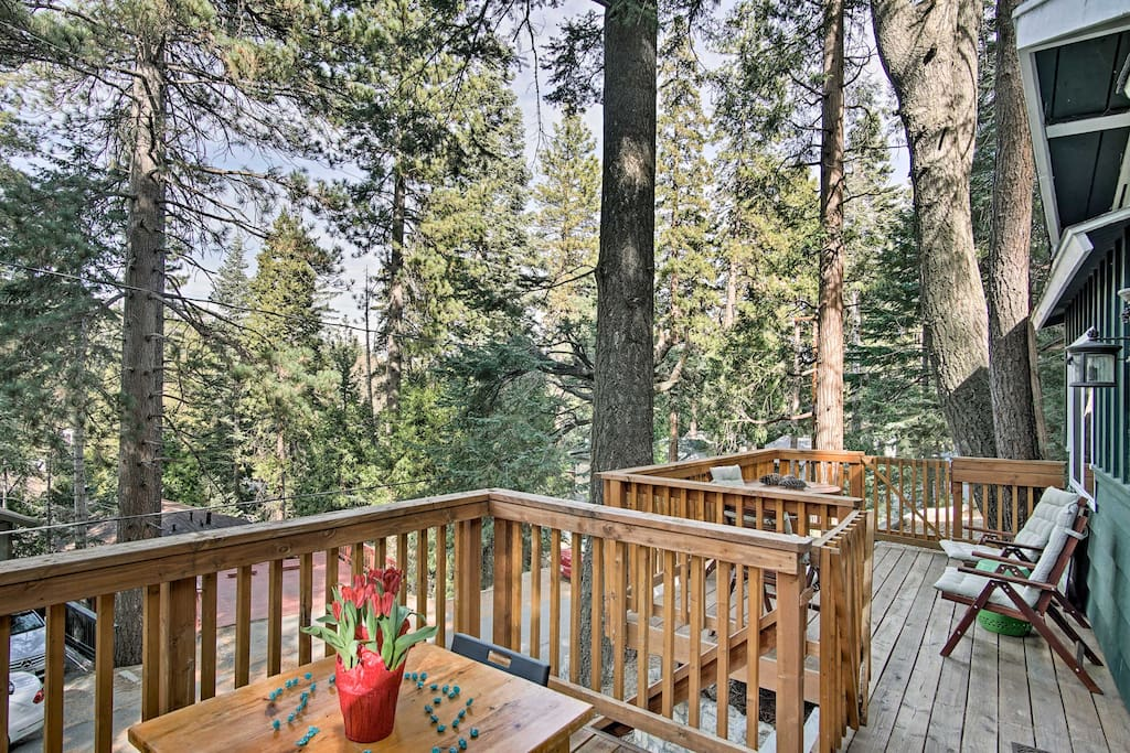 Reconnect with nature at an elevation of 5,777 feet in a quiet neighborhood.