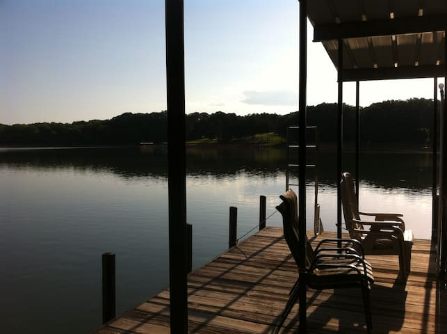 Lake House with Secret Beaches - Anderson - Apartamento