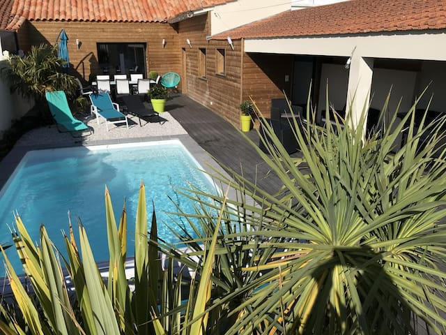VILLA DE BORD DE MER piscine privative/chauffée