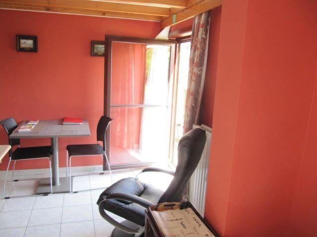 Living room, sitting place, kitchen DOOR TO TERRACE