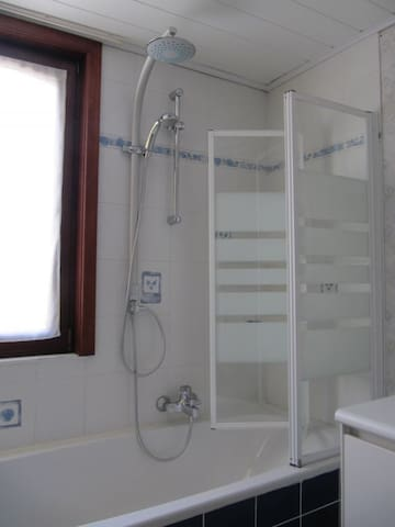 (Rain)Shower and Bath  big enough to please  TOWELS PROVIDED