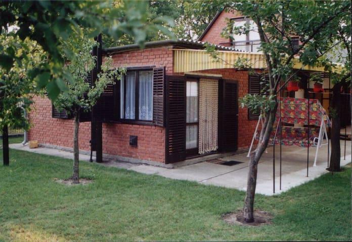 Ferencz Gemütliches Bungalow  4 Per - Balatonkeresztúr - Haus
