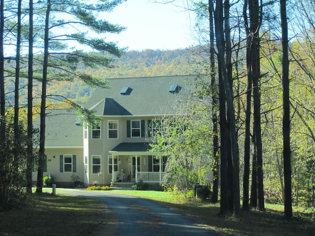 Quiet country mother in law suite - Rohrersville - Hus