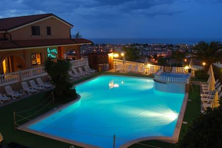Bilocale in Residence con piscina - Tortoreto - Tortoreto - Apartemen