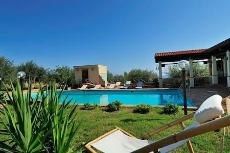 Pool,sea and relax! 6 people - San Giorgio