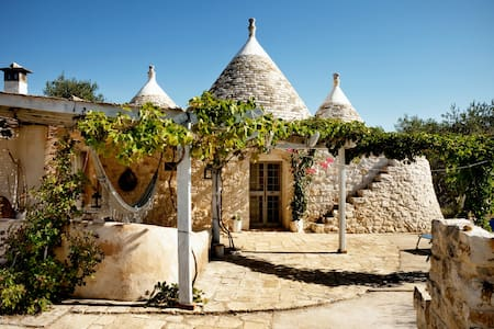 Trullo aromatic green - Ostuni - Villa